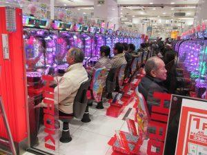 Spielothek: Spielhalle in Tokio - Japaner lieben das Glücksspiel und die Spielautomaten