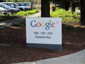 Google Charleston Road Adressschild