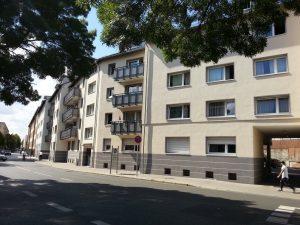 Geld verdienen mit Immobilien: die vermietete Immobilie - Haus mit Eigentumswohnungen