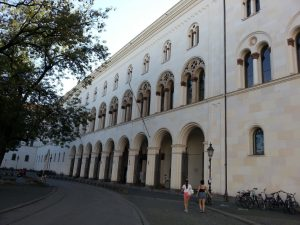 Ludwig-Maximilians-Universität München - normales und duales Studium