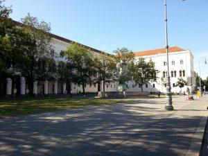 Ludwig-Maximilians-Universität München: An der LMU kostet ein Studium viel Geld